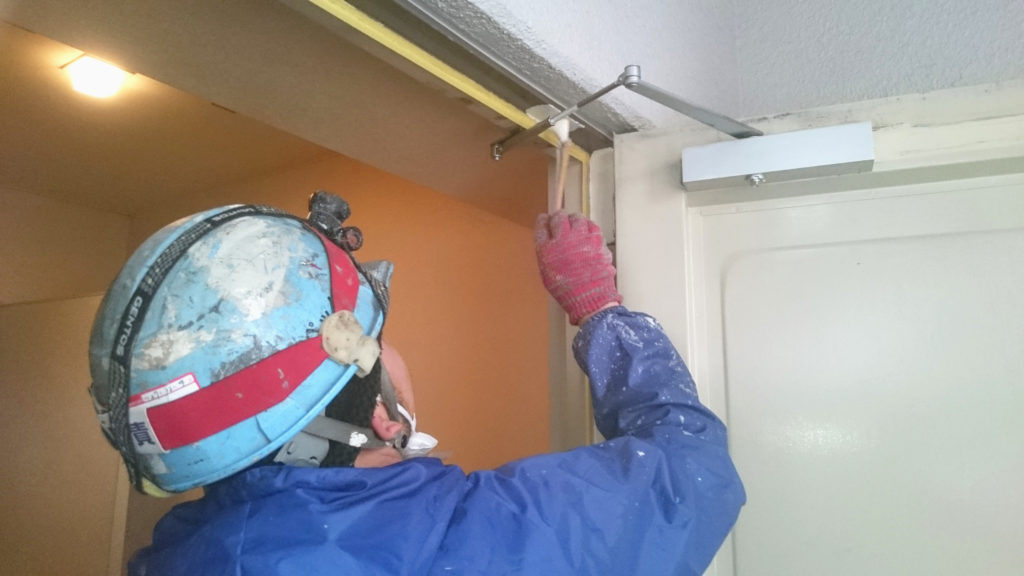 クリア塗装 作業を行う業者