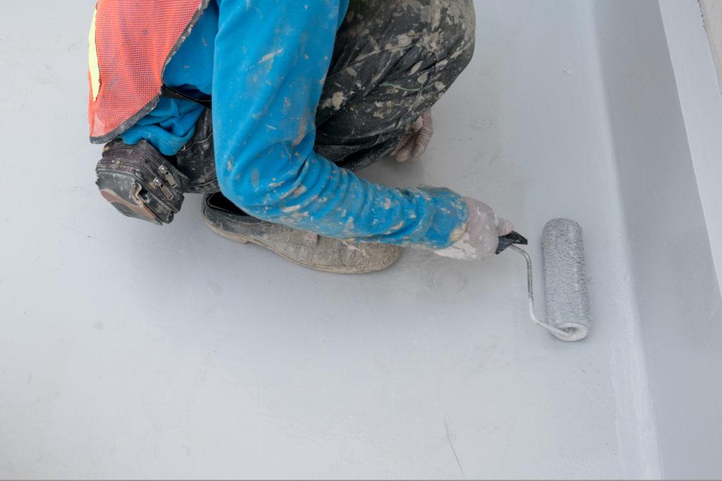 吹き付け塗装 手塗り作業風景