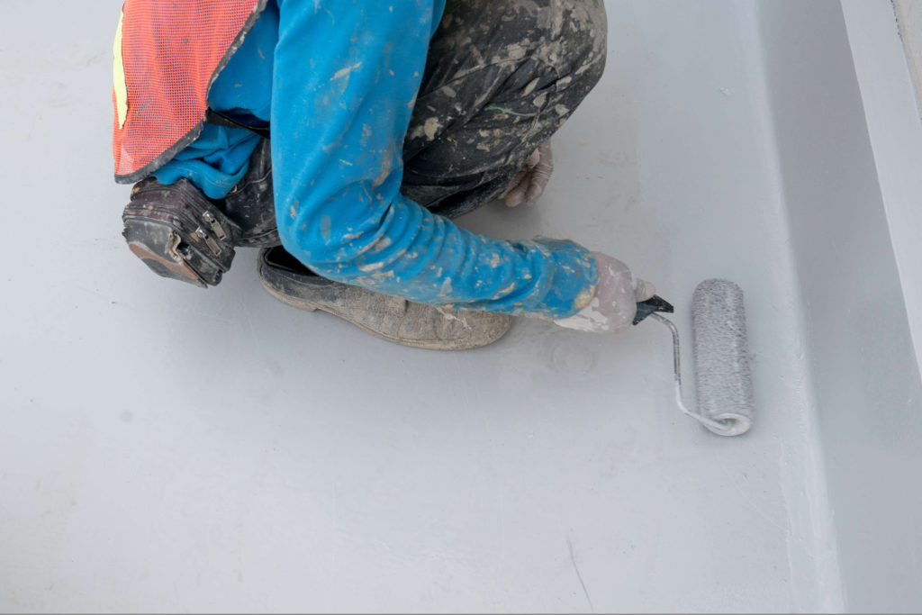 40坪の外壁塗装 塗装作業中