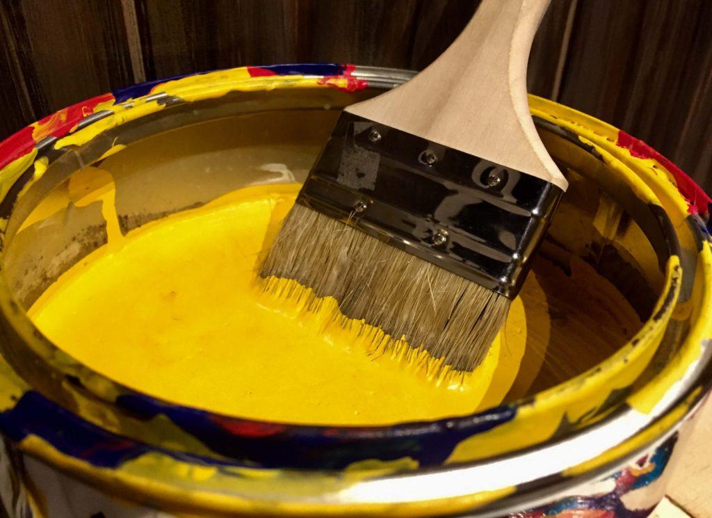 外壁の剥がれの原因(塗料の乾燥不足)