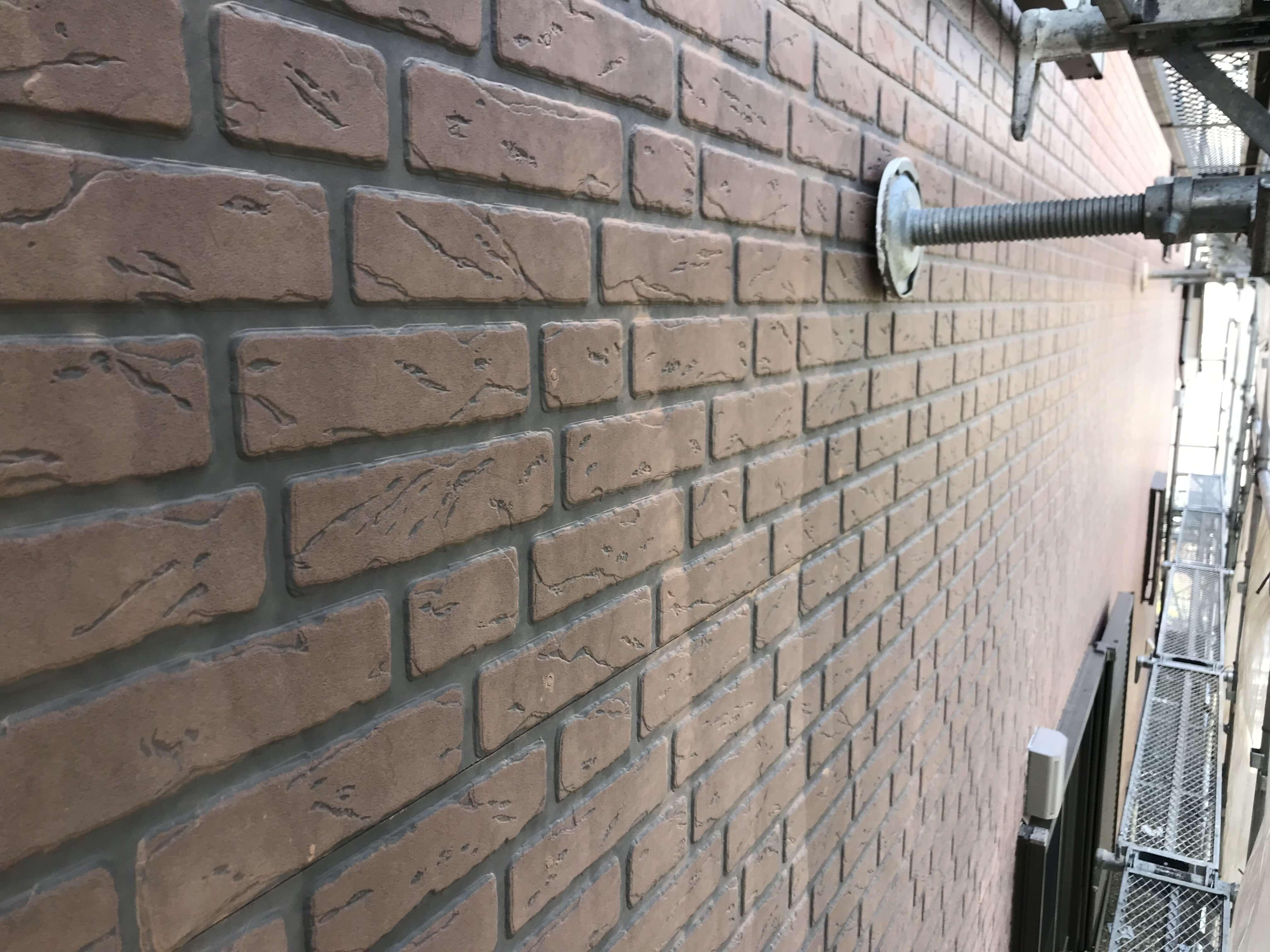 サイディング 壁と足場
