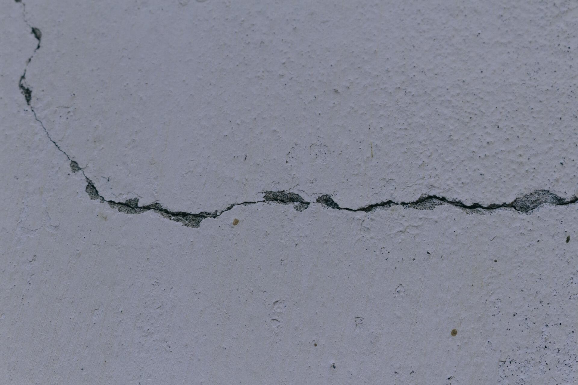 モルタル外壁 ひび割れ