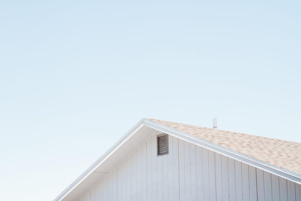 トタン屋根 屋根と空