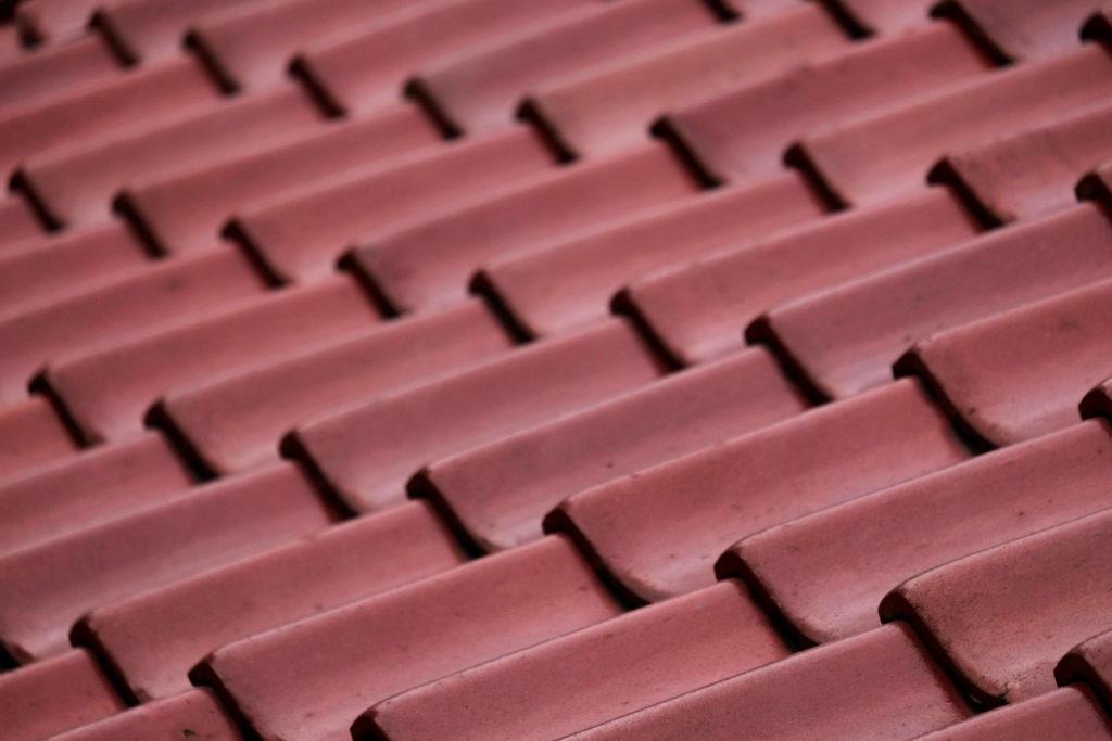 屋根の材質 赤茶の屋根