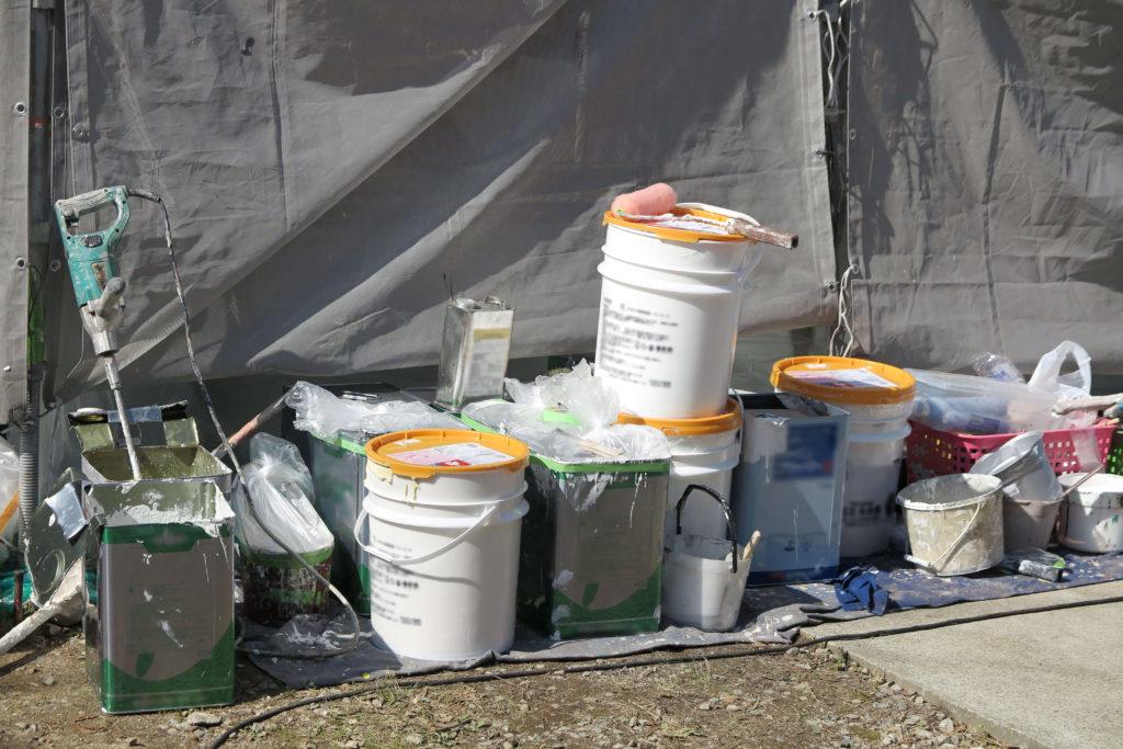シリコン塗料 塗料と道具