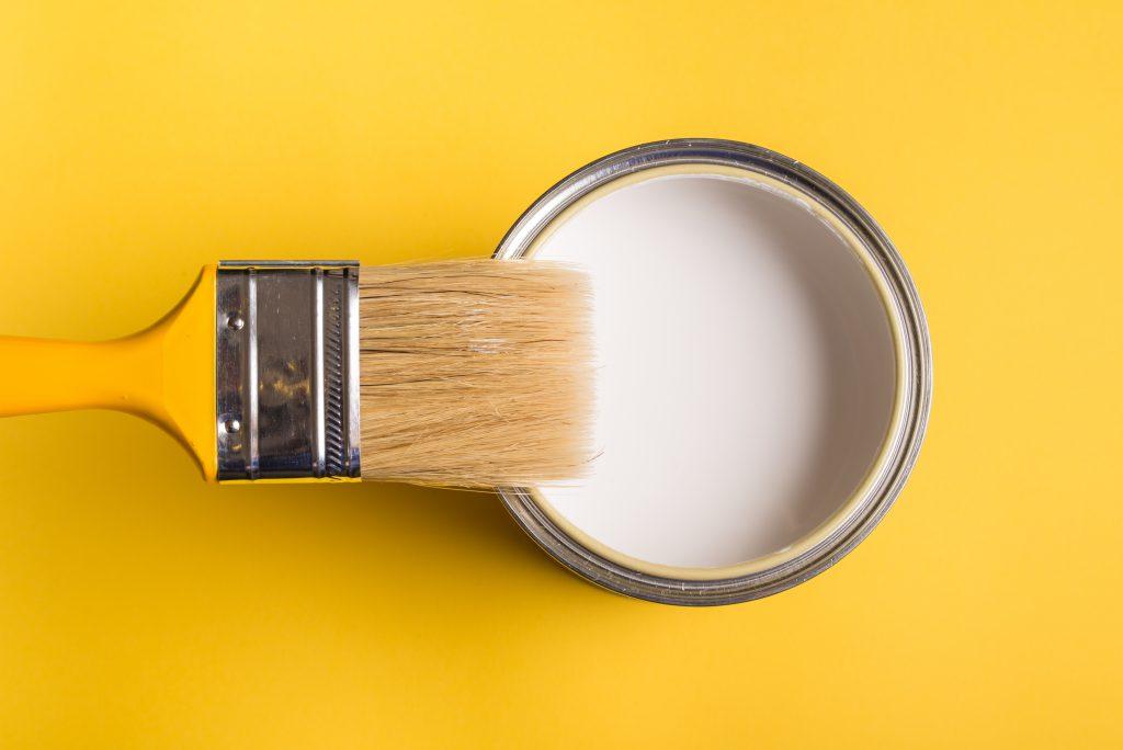 クリア塗装 塗料と刷毛