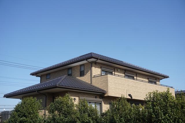 寄棟屋根 ガルバリウム鋼板