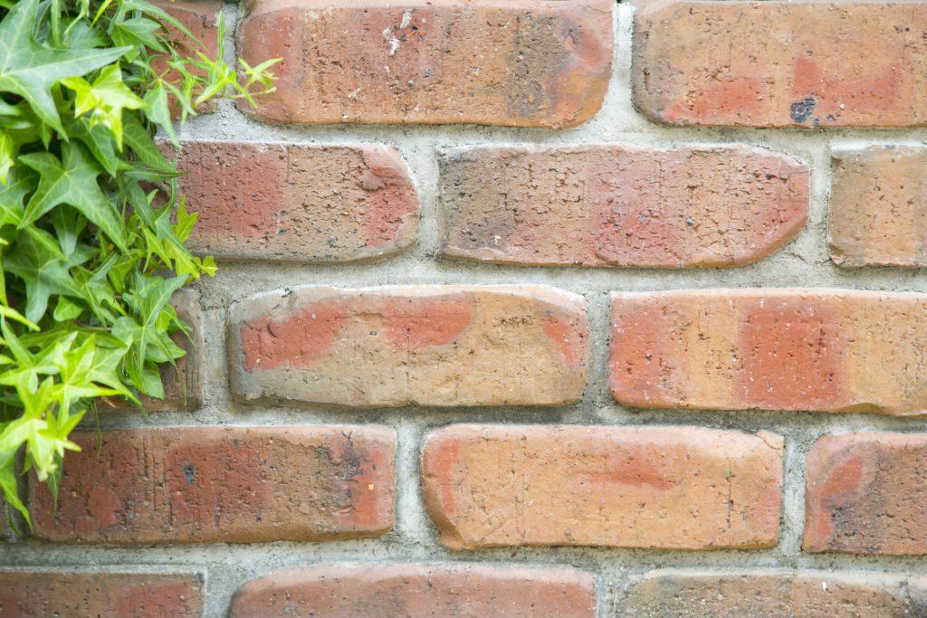 プレミアムシリコンに適していない外壁(レンガ)