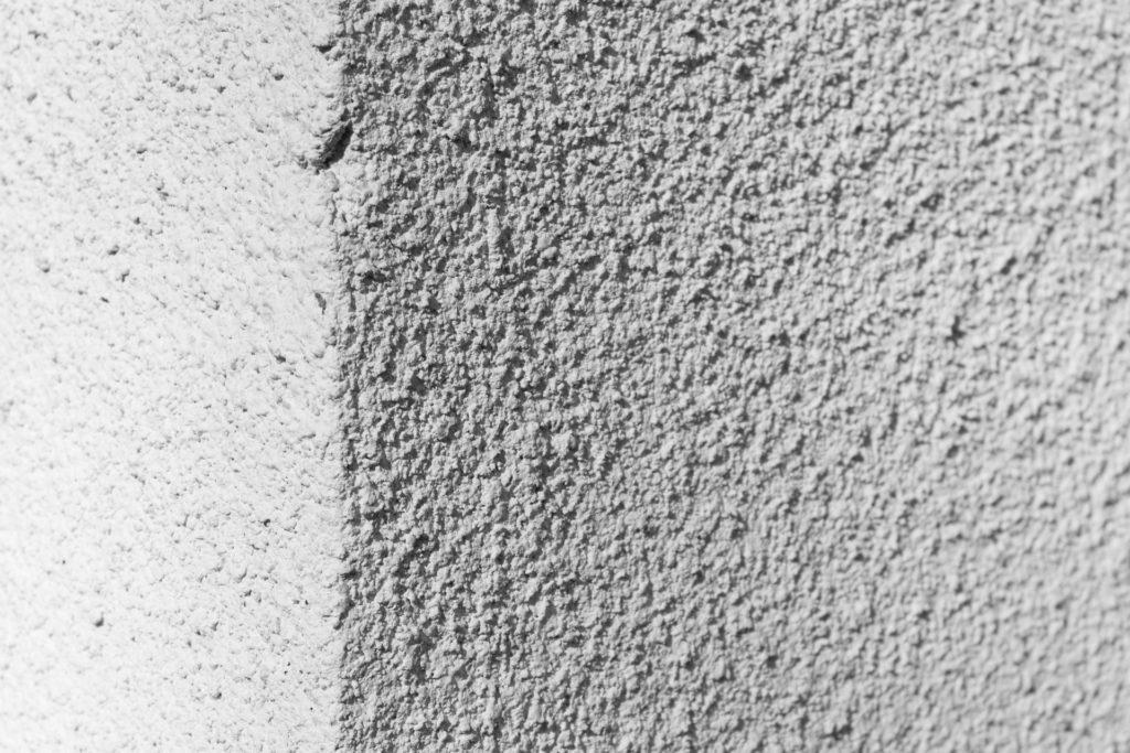 外壁塗装の色 凹凸のある壁