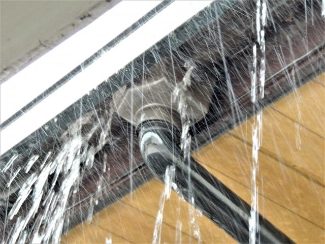 水が流れやすい屋根
