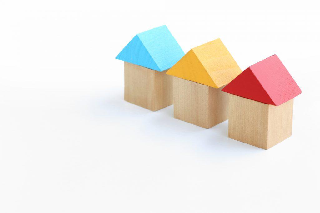 ジョリパット 3色屋根の家