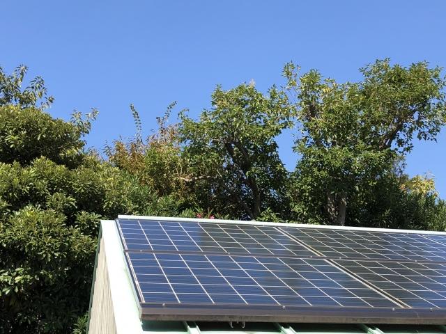 屋根 太陽光パネル